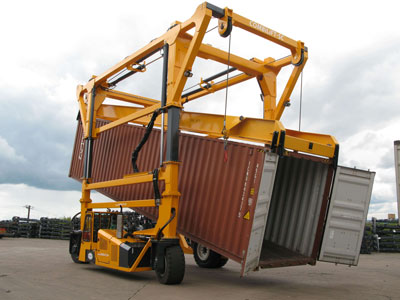 reachstacker container tipping